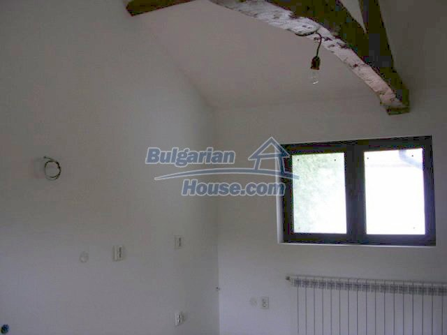 12583:14 - 3 bedroom house located in pretty village Lovnidol Gabrovo area