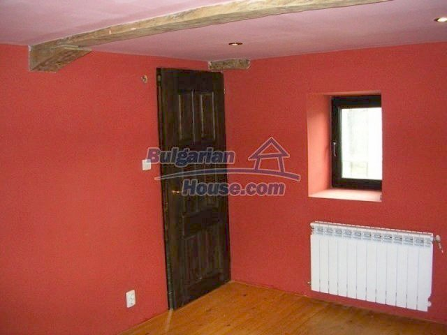12583:15 - 3 bedroom house located in pretty village Lovnidol Gabrovo area