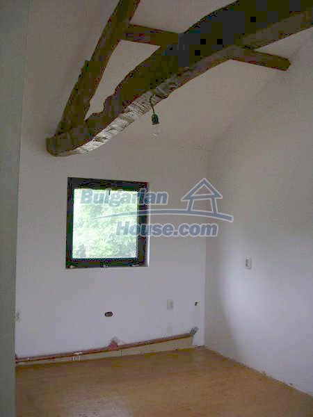 12583:23 - 3 bedroom house located in pretty village Lovnidol Gabrovo area