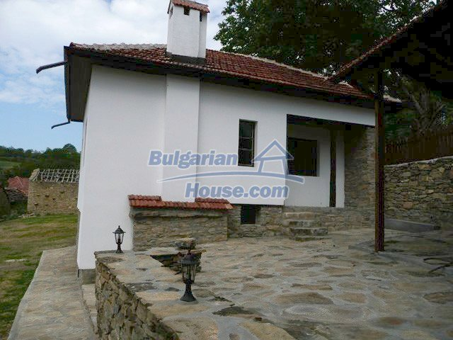 12607:23 - Renovated house with summer BBQ , stone barn and mountain views