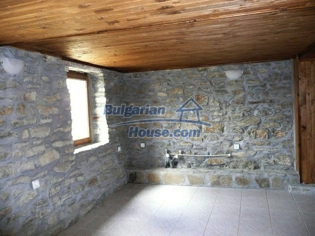 12607:27 - Renovated house with summer BBQ , stone barn and mountain views