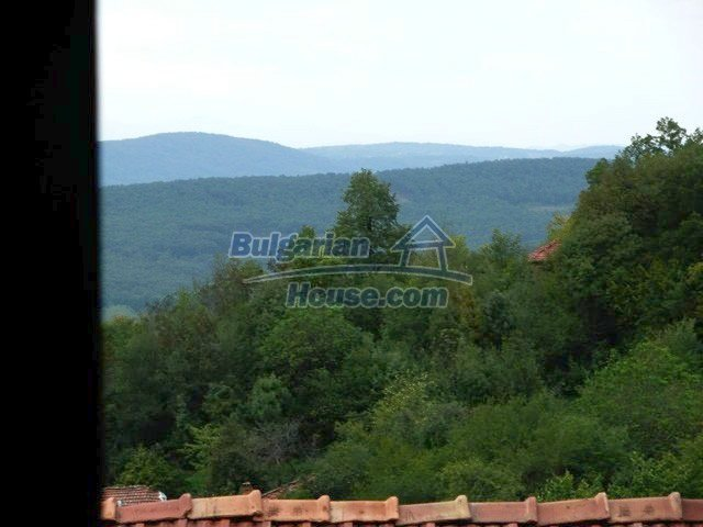12607:31 - Renovated house with summer BBQ , stone barn and mountain views