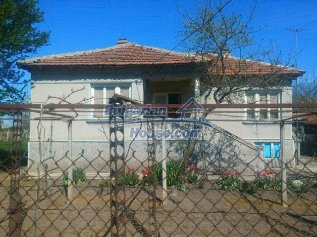 12667:1 - Cozy Bulgarian house for sale only 12km from the sea and Kavarna