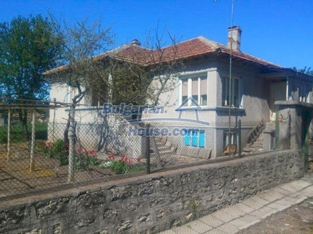 12667:3 - Cozy Bulgarian house for sale only 12km from the sea and Kavarna