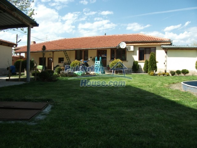12679:3 - House with swimming pool for rent in Stara Zagora region
