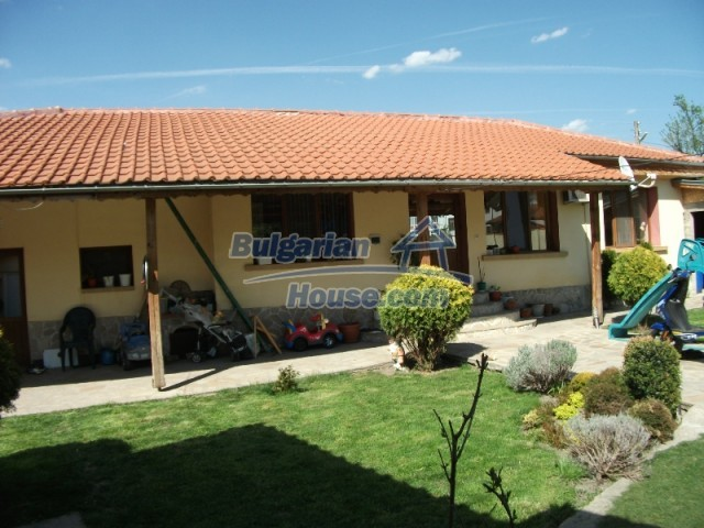 12679:4 - House with swimming pool for rent in Stara Zagora region