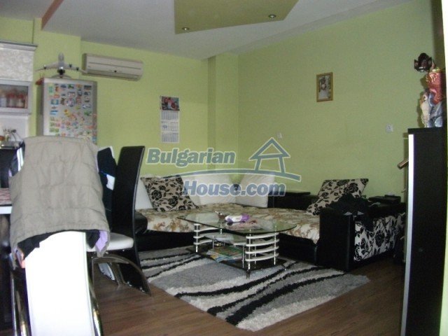 12679:14 - House with swimming pool for rent in Stara Zagora region