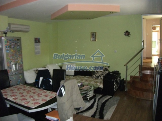12679:19 - House with swimming pool for rent in Stara Zagora region