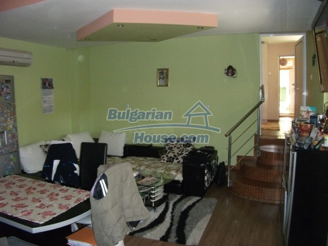 12679:20 - House with swimming pool for rent in Stara Zagora region