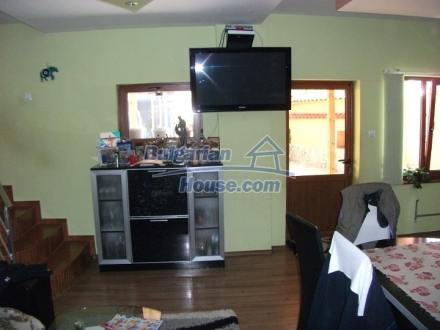 12679:22 - House with swimming pool for rent in Stara Zagora region