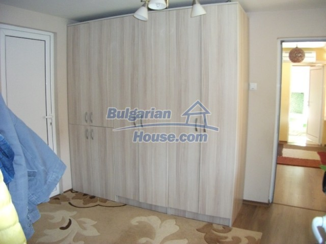 12679:24 - House with swimming pool for rent in Stara Zagora region