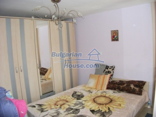 12679:33 - House with swimming pool for rent in Stara Zagora region