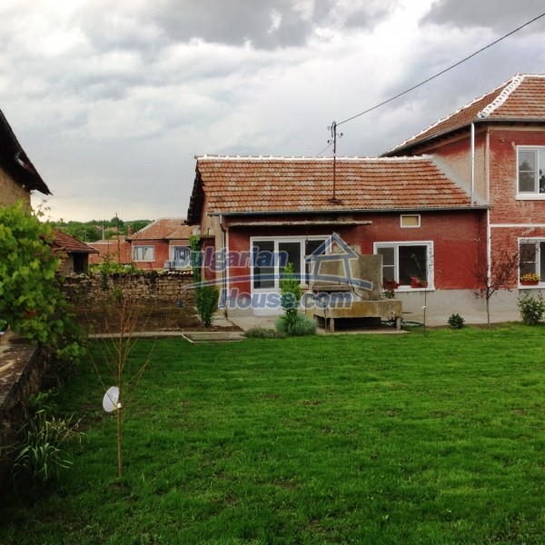 12688:35 - Renovated Bulgarian property for sale 35km from Veliko Tarnovo