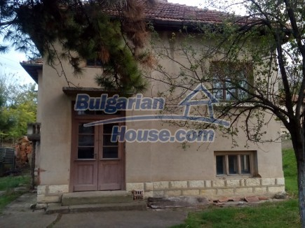 12691:1 - Cheap Bulgarian house 25km from Vratsa with spacious garden