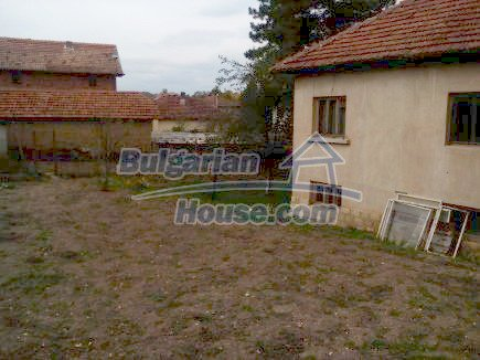 12691:10 - Cheap Bulgarian house 25km from Vratsa with spacious garden