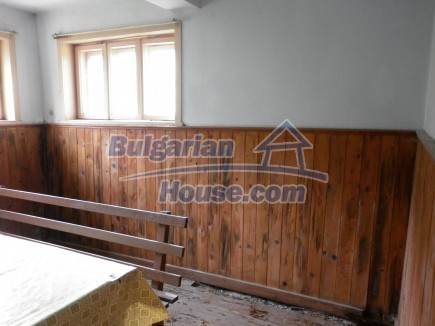 12691:12 - Cheap Bulgarian house 25km from Vratsa with spacious garden