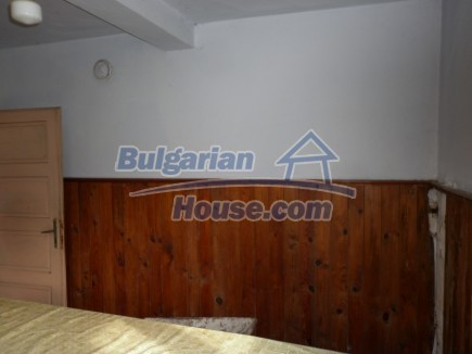 12691:13 - Cheap Bulgarian house 25km from Vratsa with spacious garden