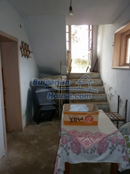 12691:20 - Cheap Bulgarian house 25km from Vratsa with spacious garden