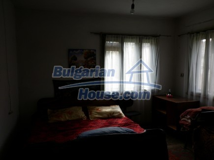 12691:23 - Cheap Bulgarian house 25km from Vratsa with spacious garden