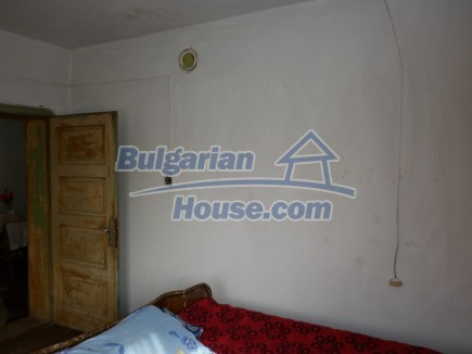 12691:24 - Cheap Bulgarian house 25km from Vratsa with spacious garden