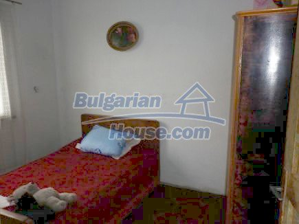 12691:26 - Cheap Bulgarian house 25km from Vratsa with spacious garden