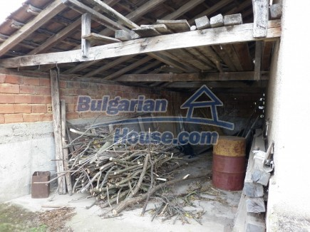 12691:38 - Cheap Bulgarian house 25km from Vratsa with spacious garden