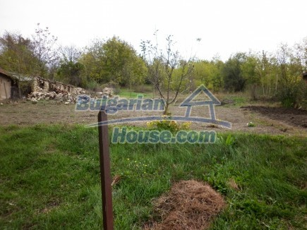 12691:41 - Cheap Bulgarian house 25km from Vratsa with spacious garden