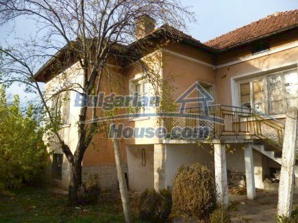 12694:3 - Big house for sale with big farm building in a town near Vratsa