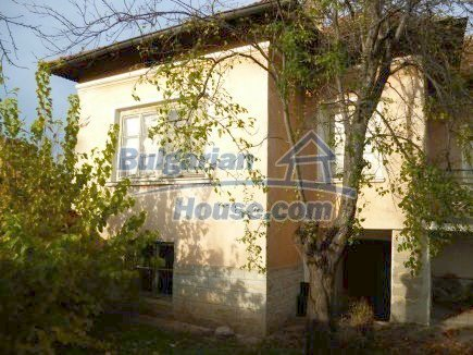 12694:4 - Big house for sale with big farm building in a town near Vratsa