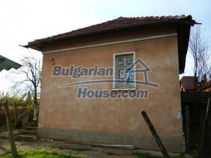 12694:6 - Big house for sale with big farm building in a town near Vratsa
