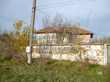 12694:10 - Big house for sale with big farm building in a town near Vratsa