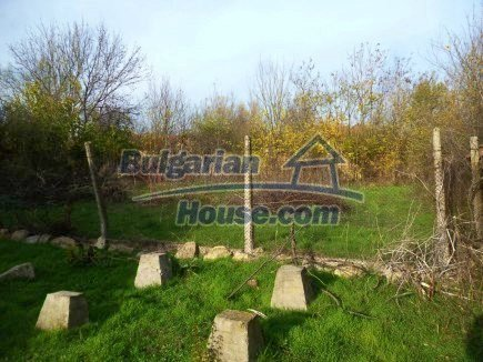 12694:53 - Big house for sale with big farm building in a town near Vratsa