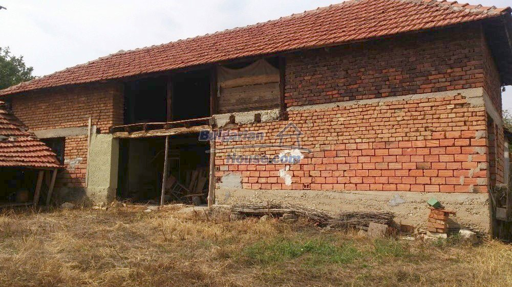 12697:4 - Village house for sale in Bulgaria with big barn 25km to Vratsa