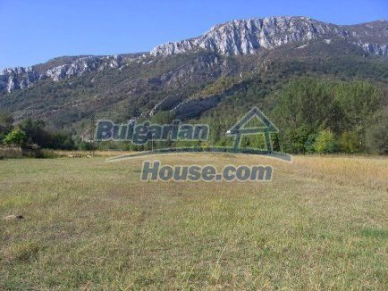 12718:1 - Property for sale near Vratsa with vast land 14500sq.m to river