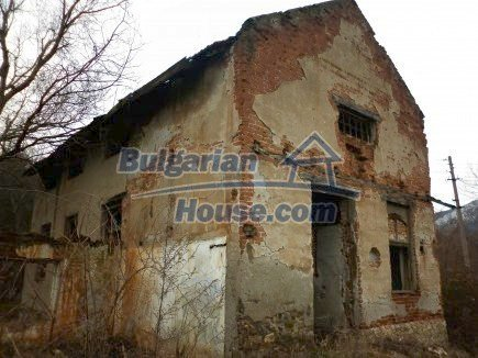12718:11 - Property for sale near Vratsa with vast land 14500sq.m to river