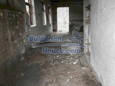 12718:13 - Property for sale near Vratsa with vast land 14500sq.m to river