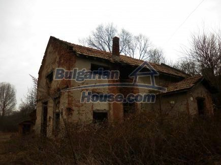 12718:5 - Property for sale near Vratsa with vast land 14500sq.m to river