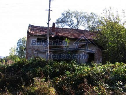 12718:7 - Property for sale near Vratsa with vast land 14500sq.m to river