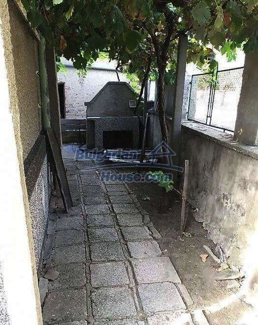 12732:10 - Cheap Bulgarian house 30km away from Plovdiv