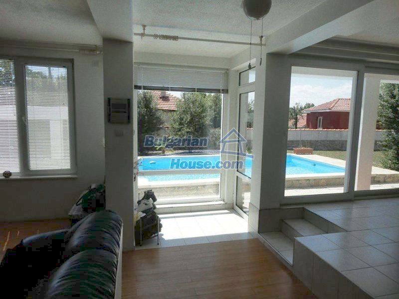 12734:8 - Beautiful house with swimming pool, stunning mountain views
