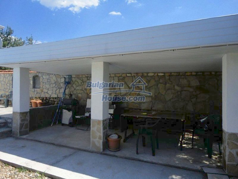12734:20 - Beautiful house with swimming pool, stunning mountain views