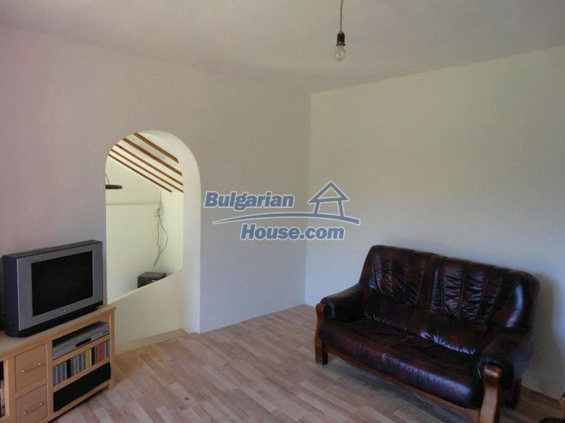 12735:4 - Partly renovated Bulgarian house  with lovely views Plovdiv