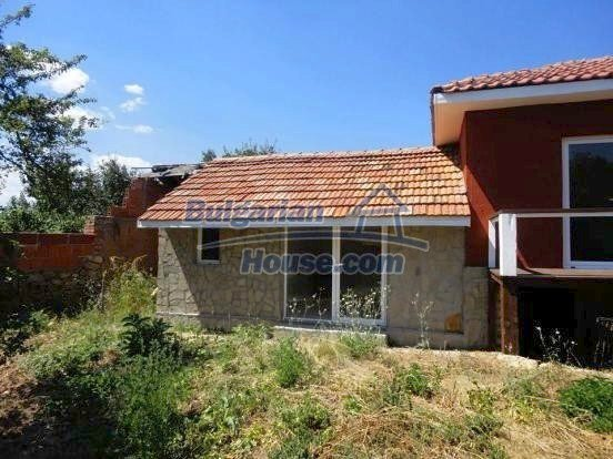 12735:13 - Partly renovated Bulgarian house  with lovely views Plovdiv
