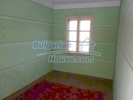 12750:18 - Old Bulgarian property in Vratsa region with big potential