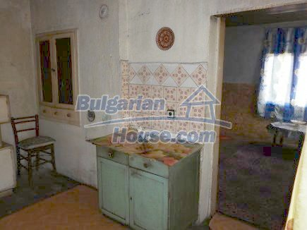 12750:29 - Old Bulgarian property in Vratsa region with big potential