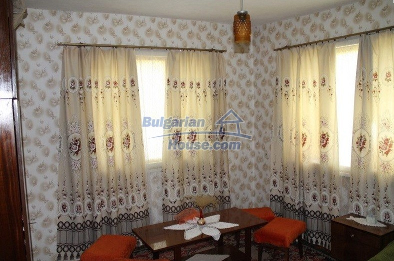 12489:15 - House in good condition for sale, 25km from Mezdra, Vratsa