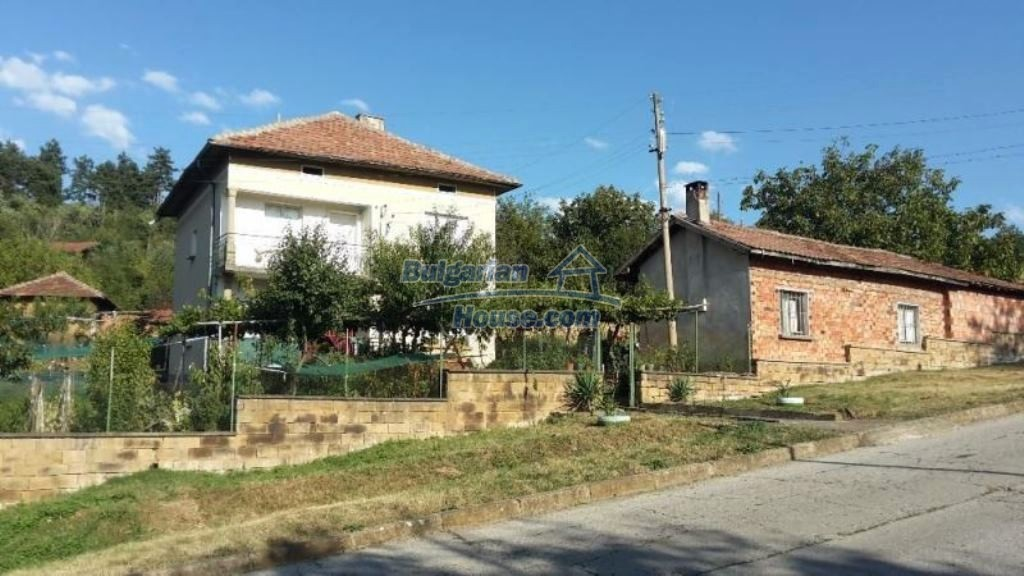 12489:18 - House in good condition for sale, 25km from Mezdra, Vratsa