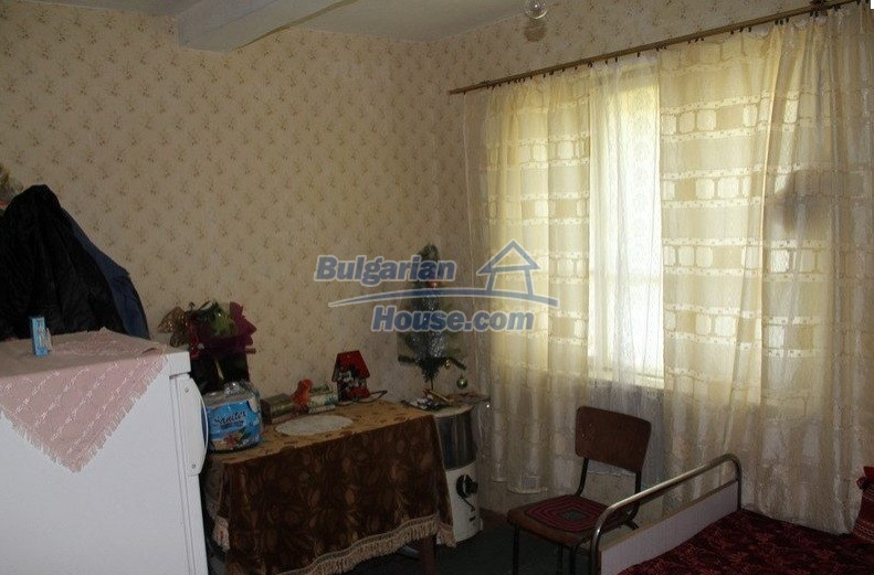 12489:10 - House in good condition for sale, 25km from Mezdra, Vratsa
