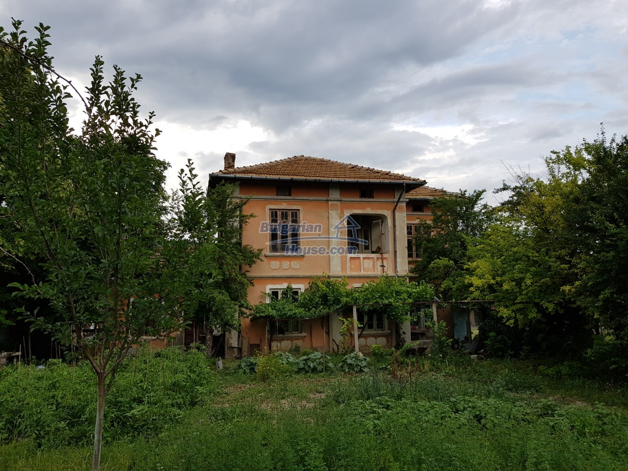 12670:2 - Village house for sale with garden of 8500sq.m near Targovishte