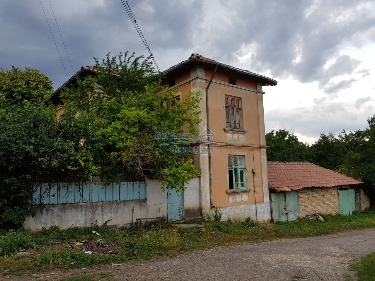 12670:4 - Village house for sale with garden of 8500sq.m near Targovishte